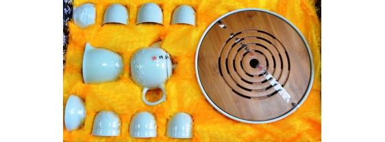 Подарочный набор для чаепития фарфор со столиком