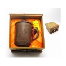 Чашка глиняная в подарочной коробке